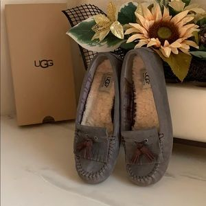 UGG Lizzy Grey Suede Loafers Flats Slip On size 8